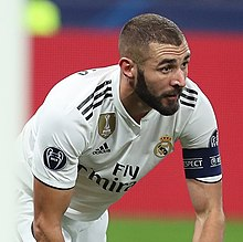 Benzema brace gives Real Madrid victory over Eibar  2-1