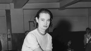 US Fashion Designer and Socialite 'Gloria Vanderbilt' dies at 95